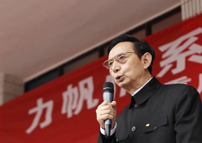 重庆首富尹明善风波不断 力帆股份控股股东所持股份日前遭冻结