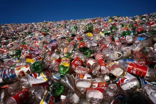 塑料我们回收对环境来说实际上是可怕的