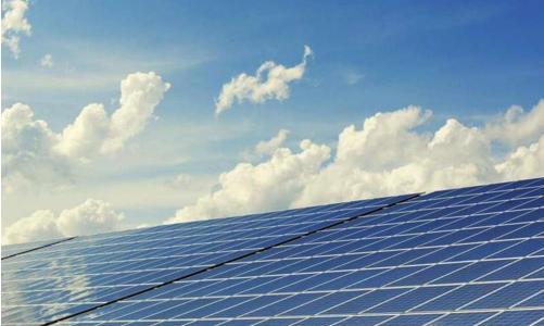 科学家利用机器学习来识别高性能太阳能材料