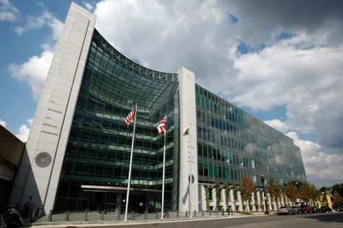 CE和Pimco是美国证券交易委员会首批固定收益委员会成员之一