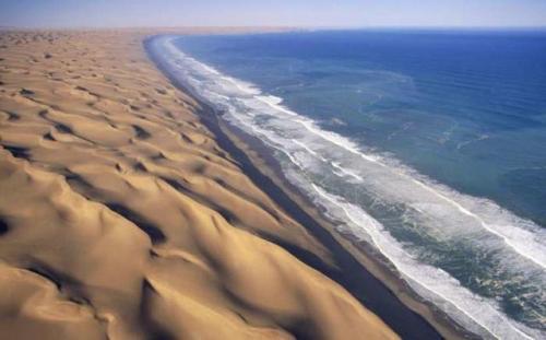 澳大利亚草原和纳米布沙漠中不寻常的光圈称为仙女圈