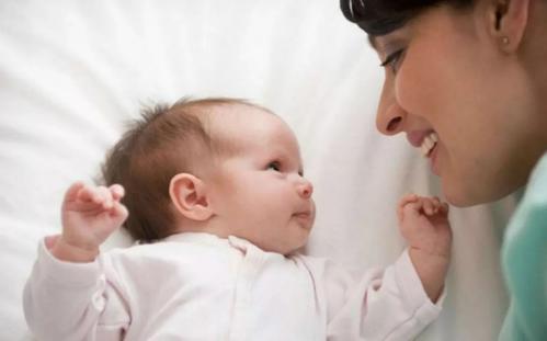 研究发现婴儿和母亲的神经活动之间存在惊人的因果关系