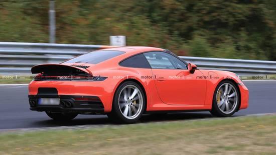 保时捷911混合动力车可以在3.4秒内完成0-100