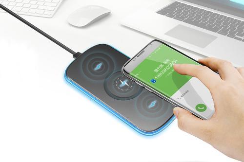 Mophie今天宣布推出两款新的多设备无线充电垫和两款车载充电器