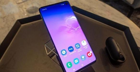 三星推出了Galaxy Note 10和Galaxy Note 10+将足够好和很棒划分界限