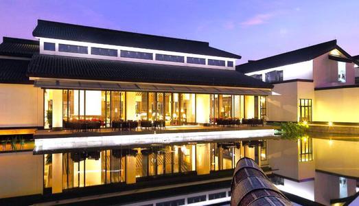 UAD融合了绍兴酒店大厅的传统和现代形式
