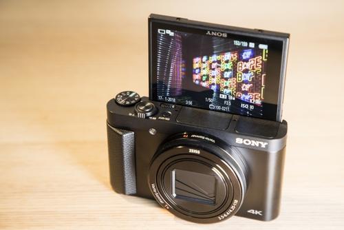 Note系列中第一款配备弹出式自拍相机的智能手机