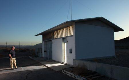 10个为居民提供完全隐居的地方从有角度的混凝土掩体到看似无窗的箱子
