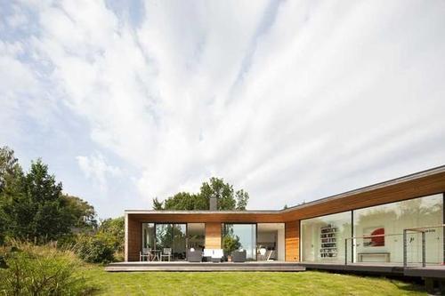 Johan Sundberg建造瑞典度假屋从日本建筑中汲取灵感