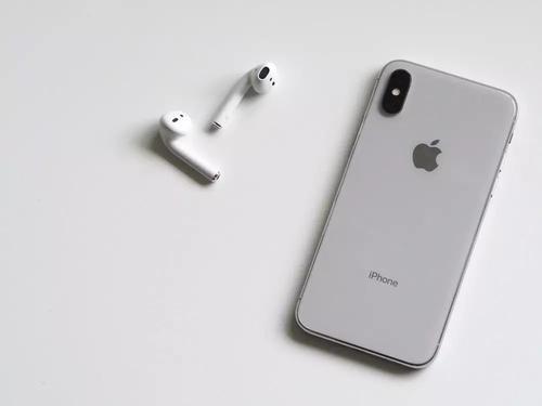Apple iPhone 11的推出日期与三合一后置摄像头泄露