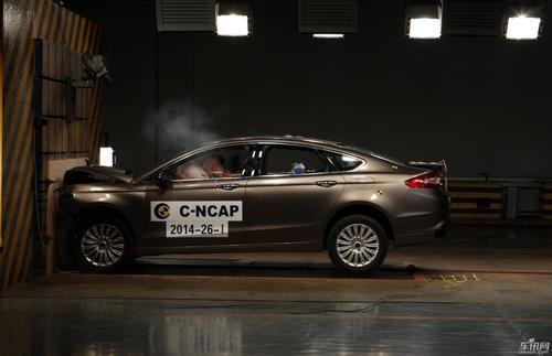 2018年BMW X3和Jaguar E-Pace获得五星级NCAP安全奖