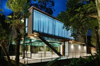 Martins Lucena使用板条木和瓷砖屏幕让微风吹进巴西的IF House