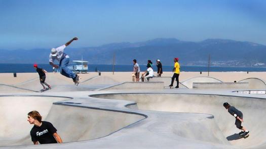 滑板和城市的作者伊恩博登选择了11个滑板公园