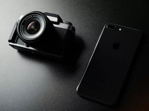 具有独特翻转相机的智能手机将于6月16日在印度推出