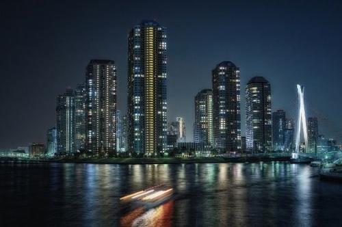 汤姆·布拉奇福德扩展了午夜的现代建筑照片系列