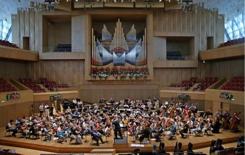 扎哈·哈迪德建筑师设计乌拉尔爱乐乐团音乐厅