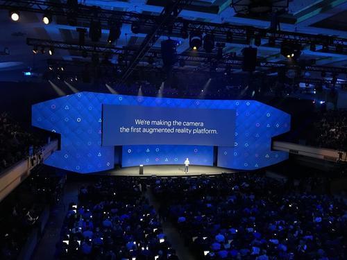 Facebook在F8会议上专注于增强的虚拟现实