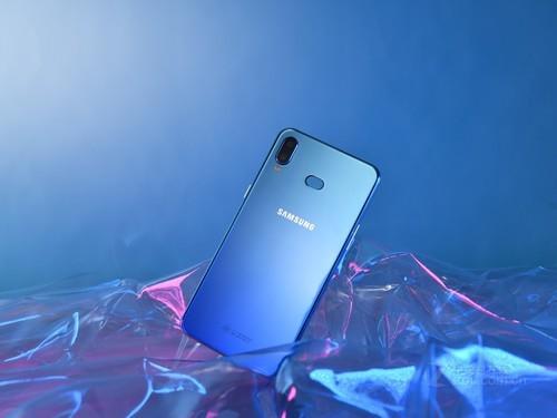 三星Galaxy M10功能泄露可能会与Infinity-V显示屏一起发布