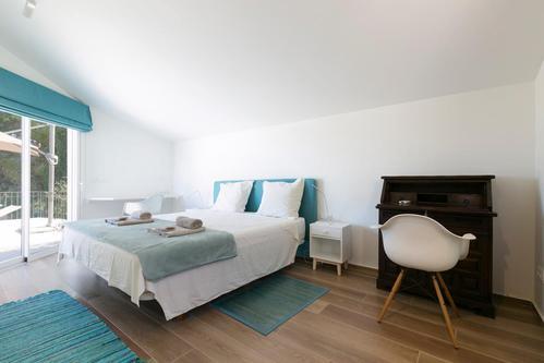 BHY Arquitectos在布宜诺斯艾利斯的郊区创建了严峻的白色Casa Lucia
