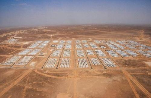 游牧阁设计成兼作约旦沙漠的庇护所和集水塔