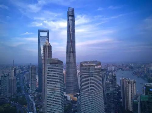 芝加哥第二高的摩天大楼计划在论坛报塔旁边