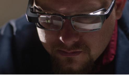 谷歌新推出的999美元的增强现实智能眼镜已准备就绪