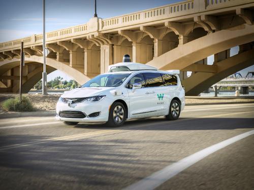 Waymo的自动驾驶出租车已开始为乘客配备免费无线网络