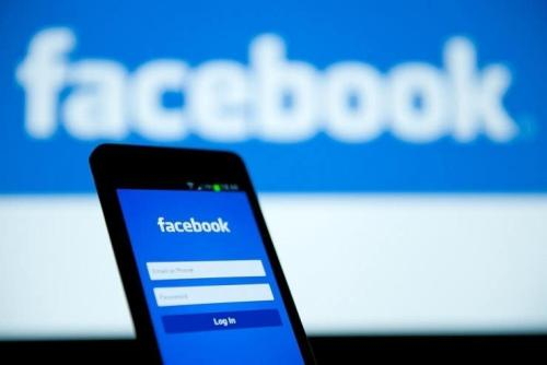 Facebook测试将新闻订阅源和故事合并因此您无需滑动即可滚动