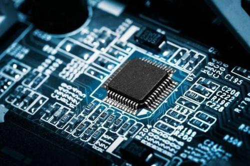 Broadcom推出用于横向扩展数据中心的新型网络芯片