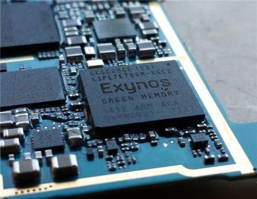 三星在这款手机的不同市场中提供了八核Exynos 8890处理器