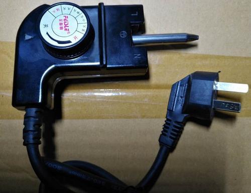 人们一直在寻找其他方式为手机充电从插入式电源扩展器到充电板