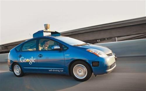 Google Car原型显示了如何不断分析海量数据以防止无人驾驶汽车撞车