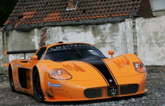 玛莎拉蒂MC12 GT1和获得一个罕见的赛车历史