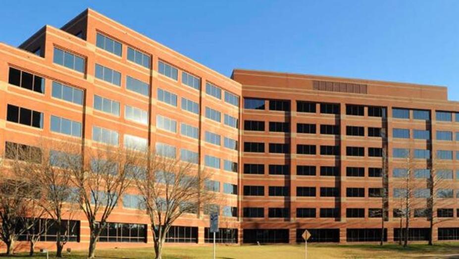 AT&T在理查森达成大型办公协议