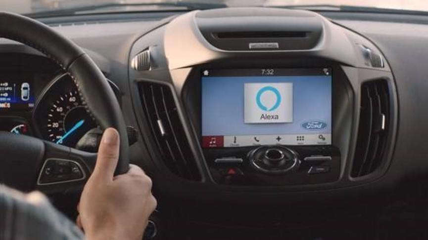 先锋的10.1英寸旗舰车载信息娱乐平板电脑配备Alexa和无线CarPlay
