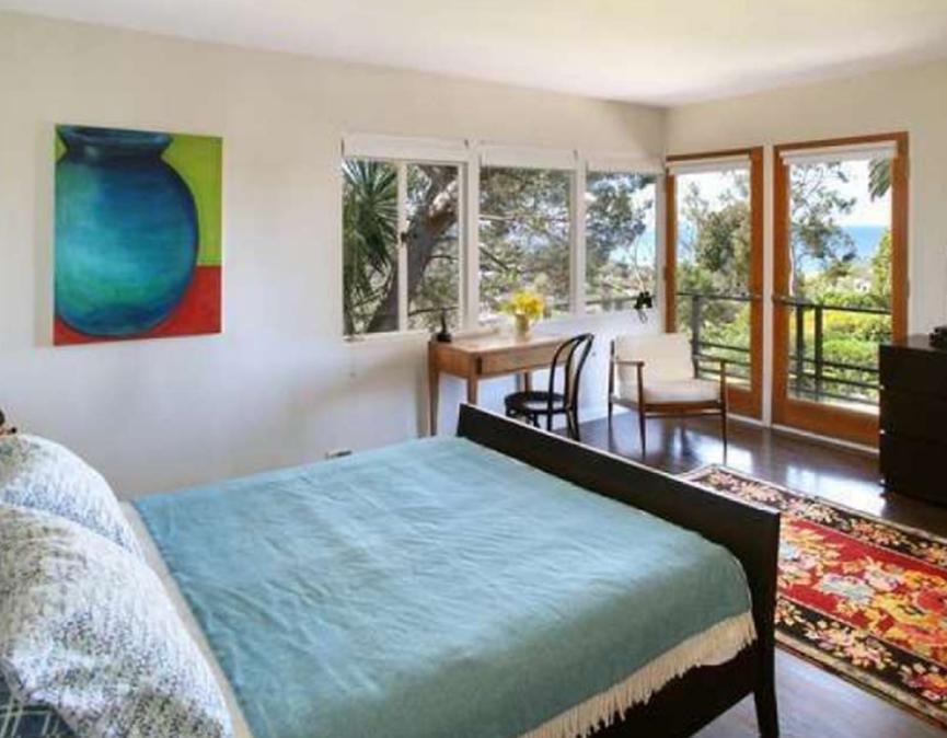 米歇尔·菲佛将洛杉矶的房屋卖给了太空人的老板吉姆·克兰