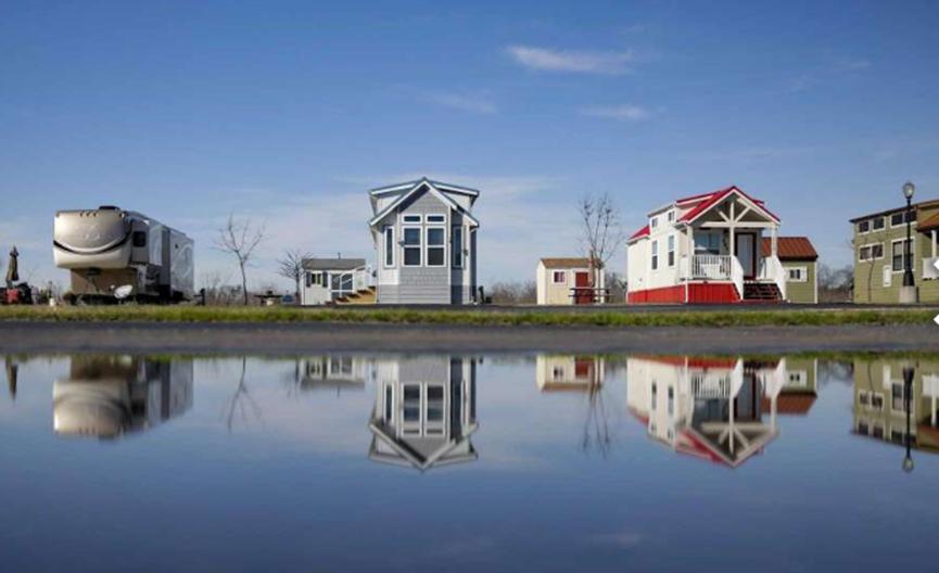 在不到400平方英尺的面积上 小型房屋越来越受欢迎