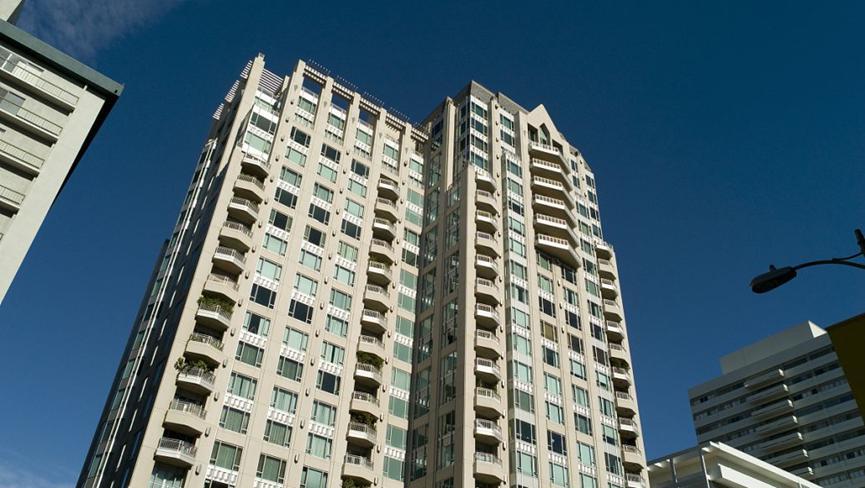 纽约投资者抢购收费公路公寓社区
