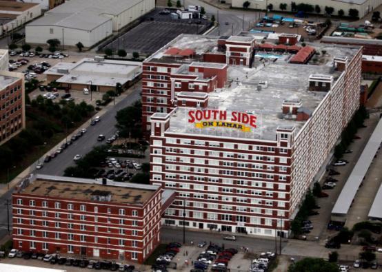 达拉斯著名体育馆的地盘卖给开发商杰克·马修斯