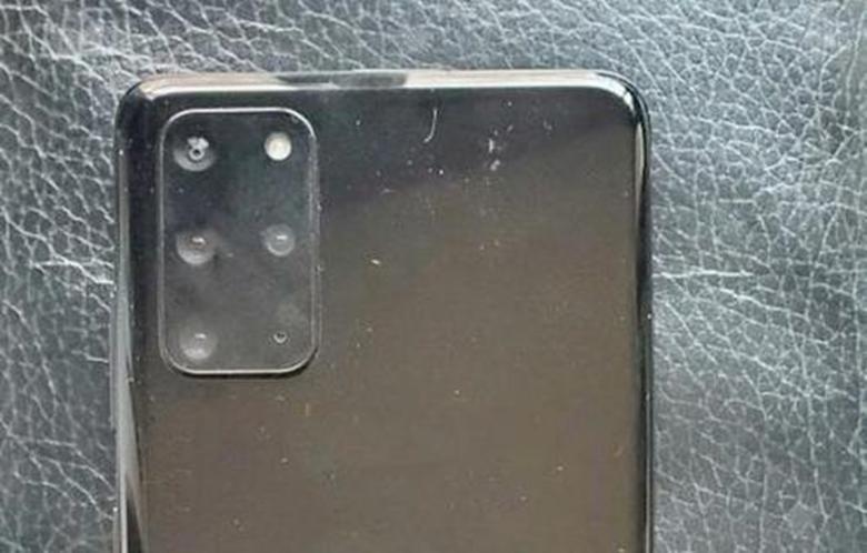 据报道三星在Galaxy S20手机上获得了用于5倍变焦相机的棱镜