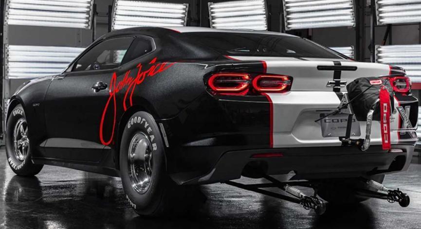 2020年COPO Camaro John Force Edition慈善拍卖筹集65万美元