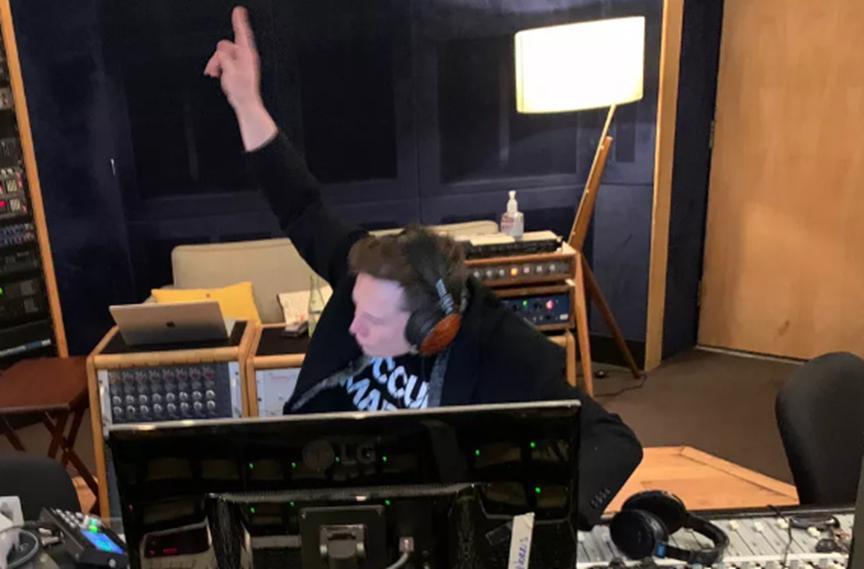 埃隆·马斯克在SpotCloud,Spotify上发行了Do n't Doubt Ur Vibe歌曲