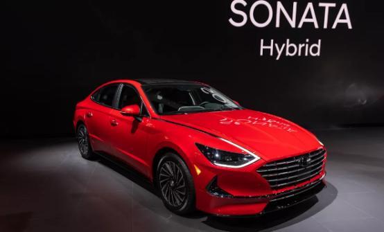 2020年现代索纳塔混合动力车以54英里/加仑的公路超越雅阁