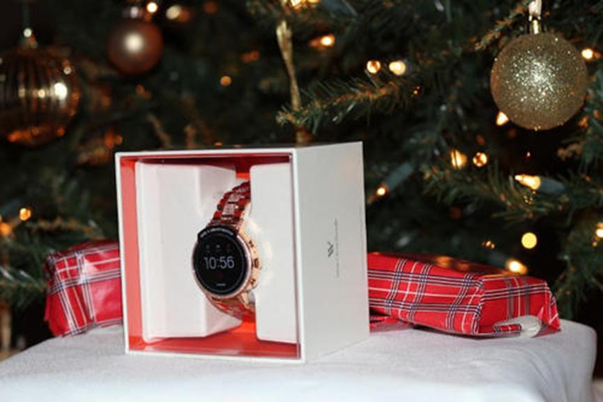 亚马逊以新的历史低价出售大量的Fossil Gen 4智能手表