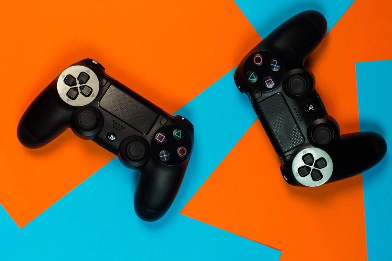 新的PS5泄漏表明性能将类似于Xbox Series X