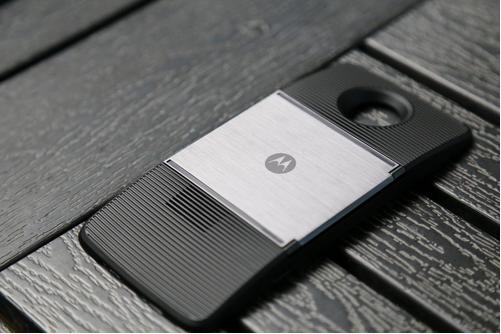 摩托罗拉Moto E6s首次亮相配备6.1英寸显示屏13MP双摄像头和3000mAh电池