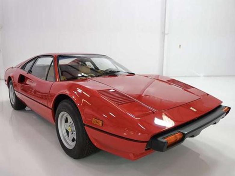 法拉利308 GTB Vetroresina是有史以来第一架玻璃纤维跃马