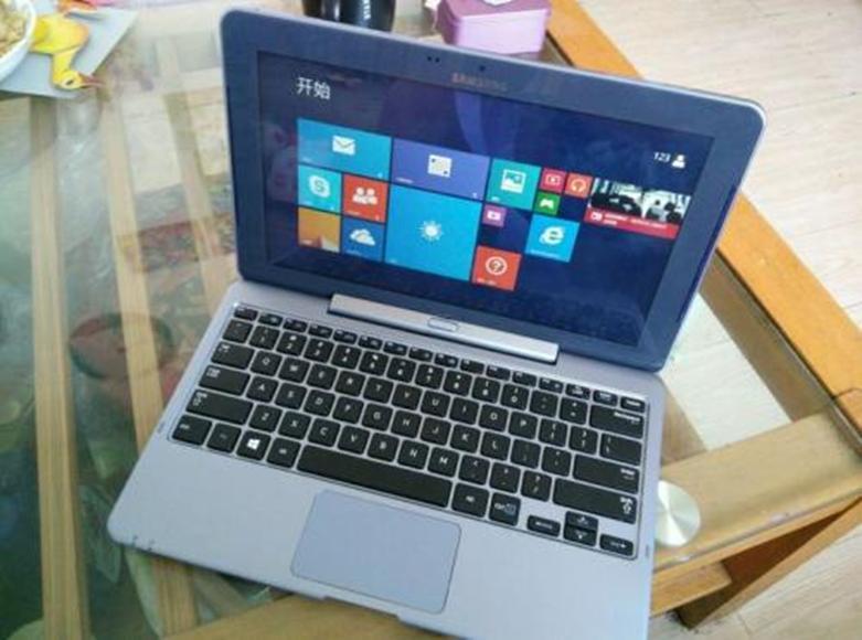 三星声称这款时尚的新笔记本电脑是市场上最轻的 只有1.8磅