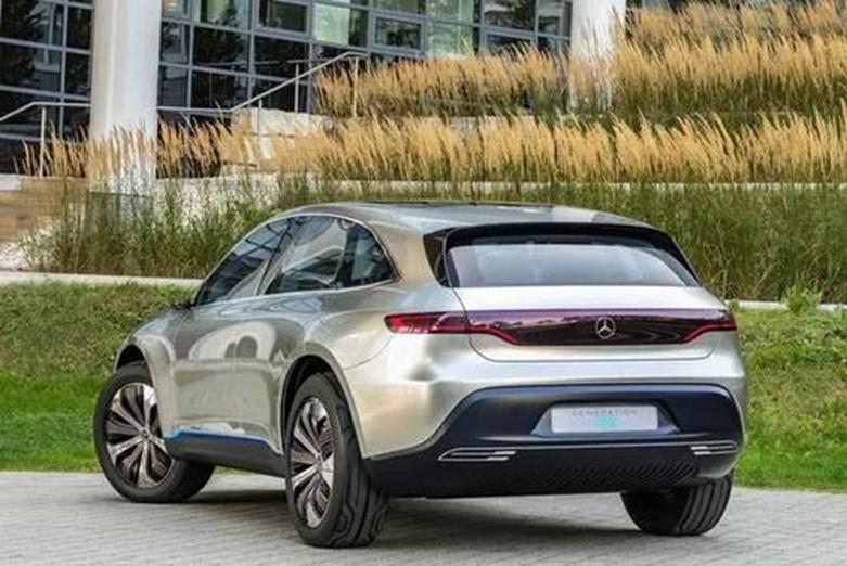 梅赛德斯-奔驰EQC电动SUV在美国售价为67900美元