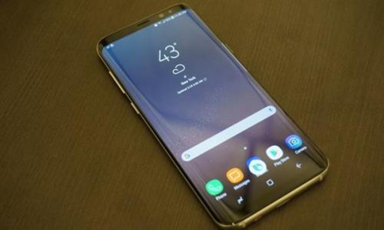 Galaxy S8华丽的新硬件同样的三星头